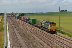 17.06.2015 • Freightliner 66532 • Cholsey (Martin Mildner) Tags: freightliner 66532 gwml greatwesternmainline cholsey cholseymanorfarm container freighttrain containertrain