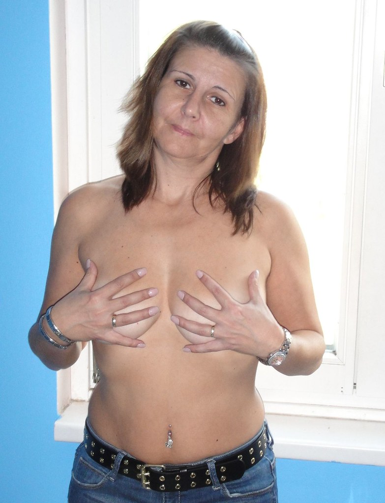 32 gg breasts