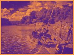Duotone wreck (Rockman of Zymurgy) Tags: france gulf breizh britanny morbihan breton 2013