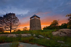 Top of Bear Mountain ! (10iggie) Tags: sunset newyork colors beautiful upstate bearmountain orangecounty perkinsmemorial glaciarstones