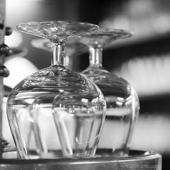 focus play @ the bar (ewaldmario) Tags: vienna two macro glass monochrome closeup 50mm glasses cafe nikon focus dof bokeh bn sw cognac manualfocus glser kaffeehaus 1850mm havelka headover dorotheergasse ewaldmario