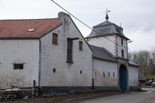 Vieux-Waleffe, vierkantshoeve