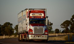 Lindsays (quarterdeck888) Tags: trucks transport semi class8 overtheroad lorry heavyhaulage cartage haulage bigrig jerilderietrucks jerilderietruckphotos nikon d7100 frosty flickr quarterdeck quarterdeckphotos roadtransport highwaytrucks australiantransport australiantrucks aussietrucks heavyvehicle express expressfreight logistics freightmanagement outbacktrucks truckies lindsay lindsaybros mack bdouble fridgevan market produce trident superliner macktrucks