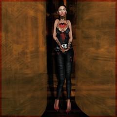 guarded heart (SueGeeli DeCuir) Tags: vengefulthreads slipperoriginals amarabeauty powderpack chopzuey maitreya lumipro foxcity
