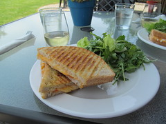Spicy grilled cheese with 2012 Family Tree White (Quevillon) Tags: ontario canada restaurant wine niagara winery stcatharines louth goldenhorseshoe henryofpelhamwinery henryofpelhamfamilyestatewinery thecoachhousecafe henryofpelhamfamilytreewhite