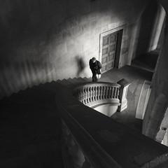 Escalera del Emperador. Palacio de Carlos V (Juan J. Márquez (de vuelta a la batalla)) Tags: alhambra blancoynegro monocromo granada turismo viajes viajar nazari patrimonio cultura andalucía