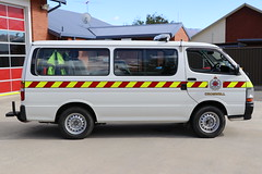 DWH 415 (ambodavenz) Tags: toyota hiace van operational support cromwell volunteer fire brigade central otago new zealand