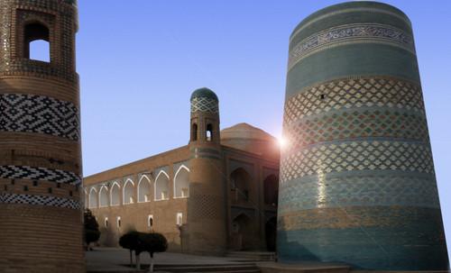 "Torres legendarias / Faros, minaretes, campanarios, rascacielos • <a style=""font-size:0.8em;"" href=""http://www.flickr.com/photos/30735181@N00/31722256523/"" target=""_blank"">View on Flickr</a>"