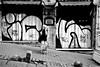 wpi_005 (la_imagen) Tags: türkei turkey türkiye turquía istanbul istanbullovers beyoğlu sokak sw bw blackandwhite siyahbeyaz  monochrome strasenfotografieistkeinverbrechen street streetandsituation streetlife streetphotography menschen people insan wallpainting karaköy