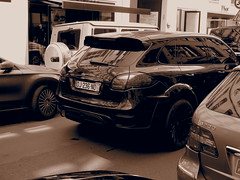 A tuned Cayenne passing thru!