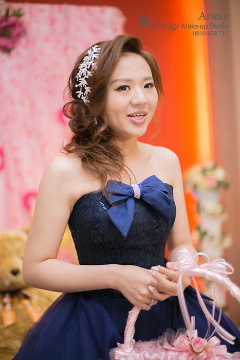 Ariesy,愛瑞思,新娘秘書,台北推薦新秘,臻愛婚宴會館,新娘造型,鮮花造型,韓國手工新娘飾品,自然輕透妝感,韓風