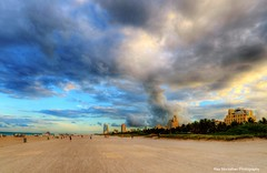 an early evening walk in south beach (Rex Montalban Photography) Tags: beach sunrise miami southbeach hdr photomatix rexmontalbanphotography