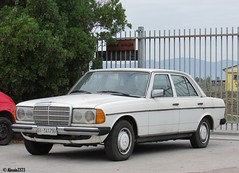 1982 Mercedes 200 (Alessio3373) Tags: mercedes w123 mercedesw123 mercedes200 mercedes200w123 oldcars classiccars autoshite youngtimers