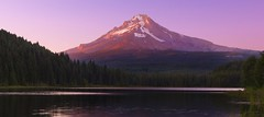 Trillium Lake at Sunrise, Mt Hood NF, OR (Sveta Imnadze) Tags: nature landscape mthood mthoodnf oregon trilliumlake sunrise reflection forest