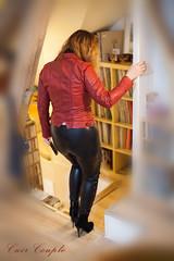 elle312 (Cuir Couple) Tags: cuir leder leather cuero veste jacket jupe skirt pantalon pant hosen mistress maitresse cuissardes maître master bondage bdsm cravache martinet