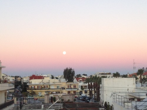 Perfect full moon 7 o'clock in the morning!!!
