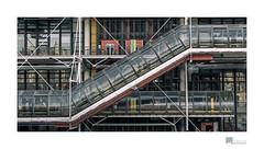 a short trip to Paris 17 Centre Pompidou (wideness) Tags: besucher centrepompidou france frankreich gebäude haus installation kunst paris rohre stadtbild street townscape îledefrance fr travel traveling canon canoneos6d 24105mm eos ef24105mmf4lisiiusm