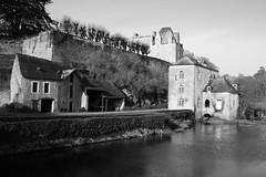 Moulin et Château de Thévalles, commune de Chéméré-le-Roi (Région Pays-de-Loire, Mayenne, France) (bobroy20) Tags: mayenne chéméréleroi régionpaysdelaloire château moulin châteaudethévalles moulindethévalles bâtisse bâtiment architecture france tourisme