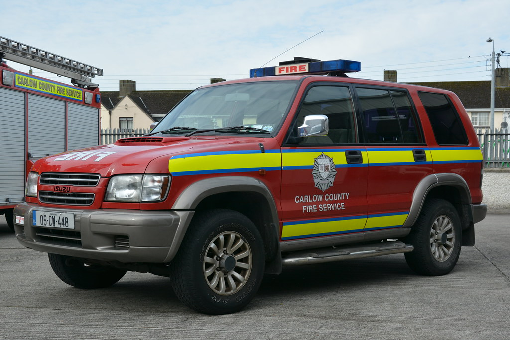 The worlds best photos of lightbar and trooper flickr hive mind carlow fire amp rescue service 2005 isuzu trooper hpmp fire l4v 05cw448 shane casey aloadofball Images