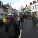 2009-1485-crowd-dustbin-lorrys01-suzy-oakes
