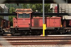 SBB Rangierlokomotive Em 3/3 18818 ( Hersteller SLM Nr. 4373 - Baujahr 1959 )  im SBB Cargo Industriewerk Biel in Biel - Bienne im Berner Seeland im Kanton Bern der Schweiz (chrchr_75) Tags: christoph hurni schweiz suisse switzerland svizzera suissa swiss chrchr chrchr75 chrigu chriguhurni juni 2015 hurni150603 albumzzzz150603velotourbielsolothurn albumzzz201506juni juni2015 chriguhurnibluemailch albumbahnenderschweiz albumbahnenderschweiz201516 schweizer bahnen eisenbahn bahn train treno zug juna zoug trainen tog tren  lokomotive  locomotora lok lokomotiv locomotief locomotiva locomotive railway rautatie chemin de fer ferrovia  spoorweg  centralstation ferroviaria