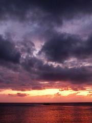 Fire in the sky (LeelooDallas) Tags: sunset sky cloud landscape island fuji great dana australia finepix queensland barrier reef orpheus hs20 exr iwachow