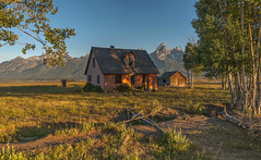 Morning light (Fil.ippo) Tags: morning light panorama landscape hdr filippo paesaggio grandtetonnationalpark mormonrow d5000 johnbarthamoultonhomestead filippobianchi