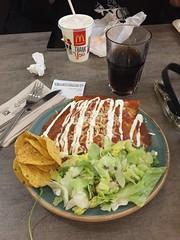 Middag 28/6 (Atomeyes) Tags: chili chips mat sallad cocacola tortilla enchiladas heroncity