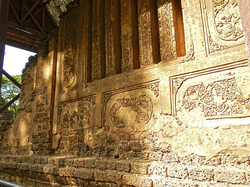 stucco-reliefs @ Wat Nang Phaya - วัดนางพญา