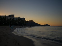 Waikiki beach sunrise (802701) Tags: sea beach sunrise hawaii waikiki oahu honolulu waikikibeach