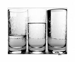 trois tiers (gravelin.yves) Tags: genre naturemorte objets verre