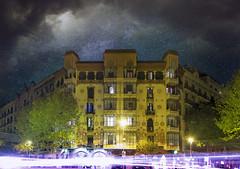 Barcelona street (klepher) Tags: barcelona street nuit night longexposure building sky stars lumiere yellow 7d canon catalunya