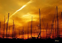 Skies On Fire (#visualpoetry) Tags: dreamscapes coloresdelsol wallpapers sundown scenery sol landscapes playas griechenland beaches grecia atardecer sunset greece colorsofthesun puestasdelsol athens atenas sunscapes 40000views panoramio245876819457456
