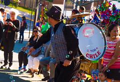 Chinchinero (Manuel Curumilla) Tags: nikond3200 nikonphotography puertovaras chile xregión plaza colores burbujas chinchinero cultura