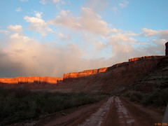 going home, at sunset (Ale*) Tags: sunset red tag3 taggedout clouds utah nationalpark sandstone tag2 tag1 desert ale 4wd trail greenriver canyonlands hematite moab fe coloradoplateau