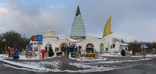 World Architect Friedensreich Hundertwasser
