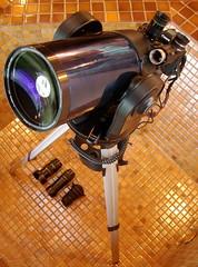 Mondo-Zoom Lens