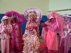 Distracted Pink Ladies (Mermaniac) Tags: sanfrancisco pink easter drag sistersofperpetualindulgence pinkladies eastersunday easter2006 easterwiththesisters easterwiththesisters2006 eurekavalleyrecreationcenter