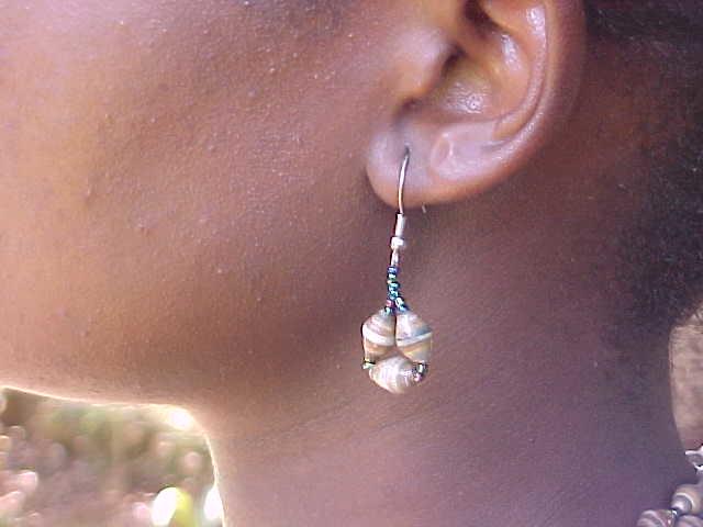 Jungle Beads: teardrop earrings