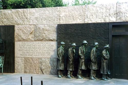 DC: Delano Roosevelt Memorial - Bread Line