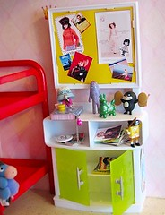 Dollhouse: Kids room: Display table (houseofduke) Tags: gashapon dollhouse rody