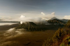 Telluric planet (nicointhebus (nicolas monnot)) Tags: travel mountain travelling nature indonesia landscape volcano java scenery asia 500v20f earth smoke 2006 southeast bromo active nicointhebus specnature bluelist