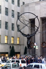 NYC: Rockefeller Plaza - Atlas (wallyg) Tags: plaza nyc newyorkcity sculpture ny newyork statue nhl manhattan rockefellercenter landmark midtown atlas artdeco gothamist rockefeller mythology greekmythology rockefellerplaza leelawrie renechambellan nationalhistoriclandmark nationalregisterofhistoricplaces usnationalhistoriclandmark nrhp aia150 usnationalregisterofhistoricplaces newyorkcitylandmarkspreservationcommission nyclpc renepaulchambellan