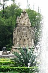 Fuente en el Castillo de Chapultepec (Jesus Guzman-Moya) Tags: fountain mxico mexico mexicocity fuente r1 ciudaddemxico castillodechapultepec dscr1 sonycybershotdscr1 chuchogm chapultepeccastle jessguzmnmoya