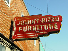 Johnny Rizzo Furniture (Viajante) Tags: red sign louisiana neon furniture houma nikone4200 terrebonneparish