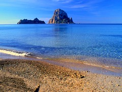 "Ibiza (Lutz M. Hirschmann) Tags: sea españa beach strand see coast spain insel ibiza eivissa isla spanien küste balearen balears mittelmeer d´ ""es ""islas ""mare mediterraneo"" baleares"" ""cala hort"" vedra"""