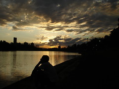 the thinker (AnnuskA  - AnnA Theodora) Tags: sunset lake topf25 silhouette clouds dark lago topf50 hues shade londrina igap 35faves abigfave aplusphoto flickrdiamond
