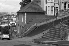 The steepest street in Britain. (Fray Bentos) Tags: street bristol hill townscape steephill totterdown valest
