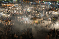 smoke in the eye (sam b-r) Tags: evening morocco maroc marrakesh maruecos djemaaelfna s61601465 sambrimages