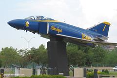 "McDonnell Douglas F-4J Phantom II ""Blue Angel 1"" (Ken's Aviation) Tags: cleveland 2006 phantom blueangels f4 mcdonnelldouglas burkelakefrontairport 153812"